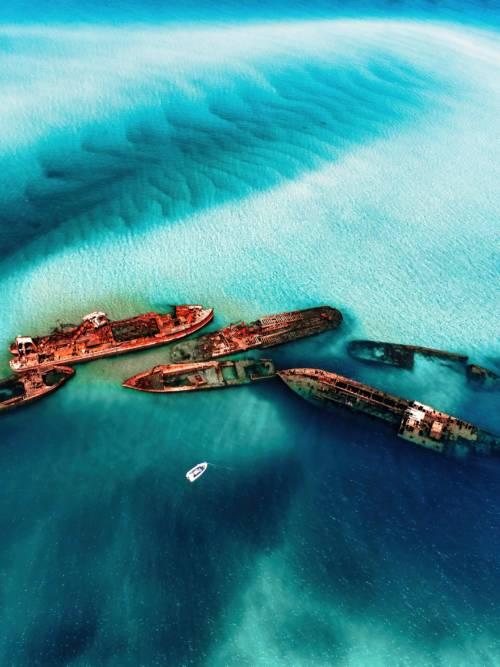 Fondo de pantalla de Barcos encallados