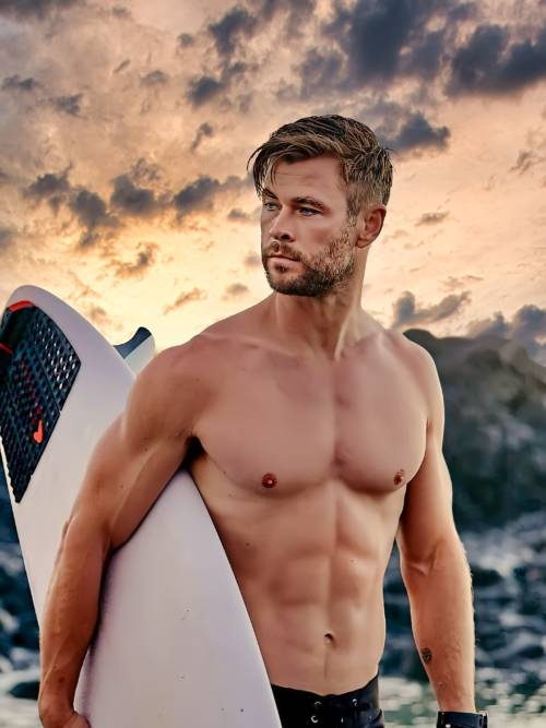 Chris Hemsworth Surf wallpaper