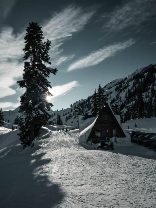 Fond d'écran de Cottage dans la neige