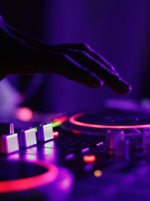 Fondo de pantalla de Mesa de mezcla de DJ