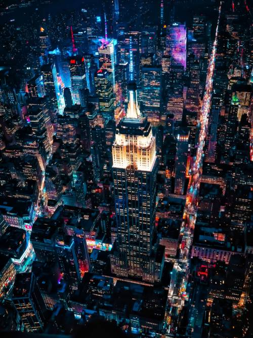 Empire State Building in der Nacht wallpaper
