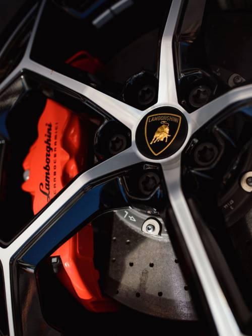 Papel de parede do Roda de liga leve Lamborghini para celulares e tablets