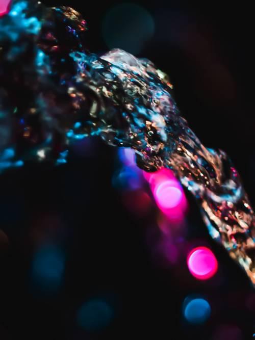 Fond d'écran de Lumières reflétées dans l'eau