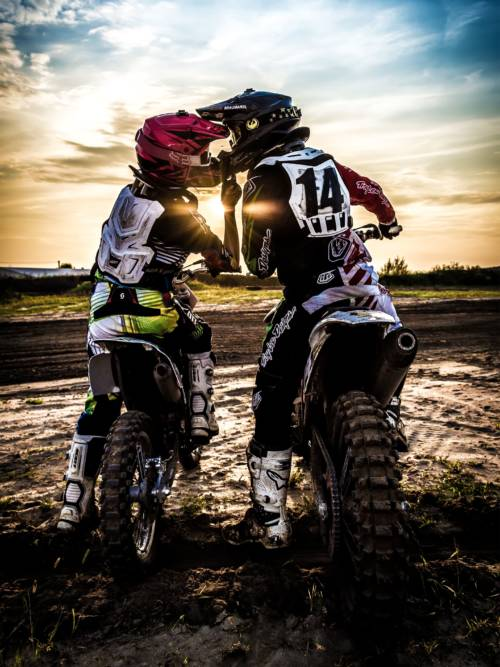 Fondo de pantalla de Amor en motocross