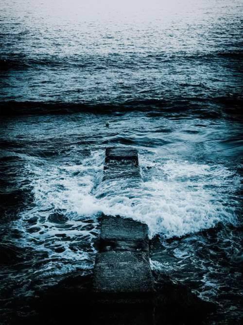 Papel de parede do Mar azul profundo para celulares e tablets