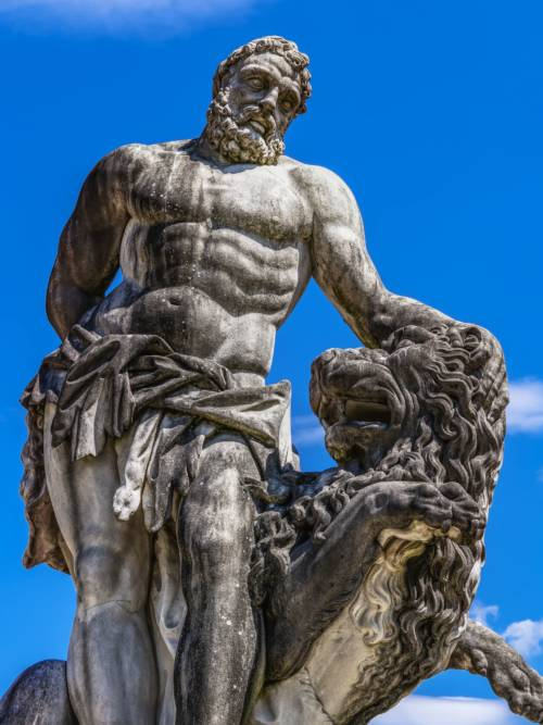 Statue of Hercules wallpaper