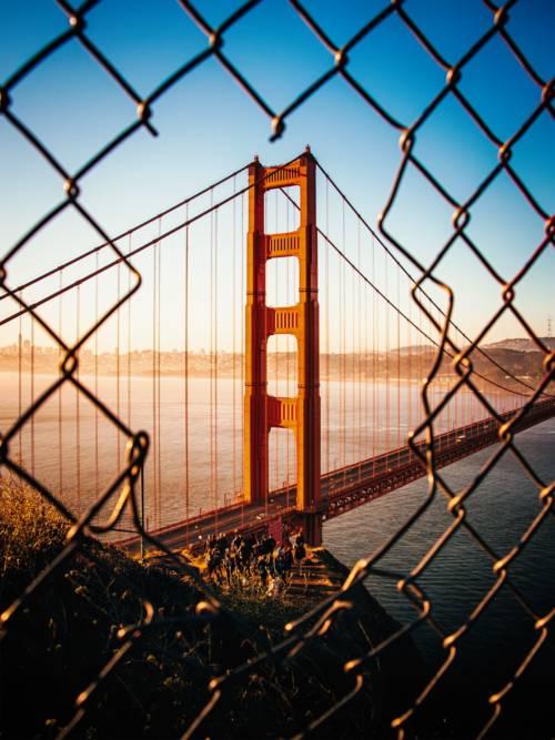 Sonnenaufgang am Golden Gate wallpaper