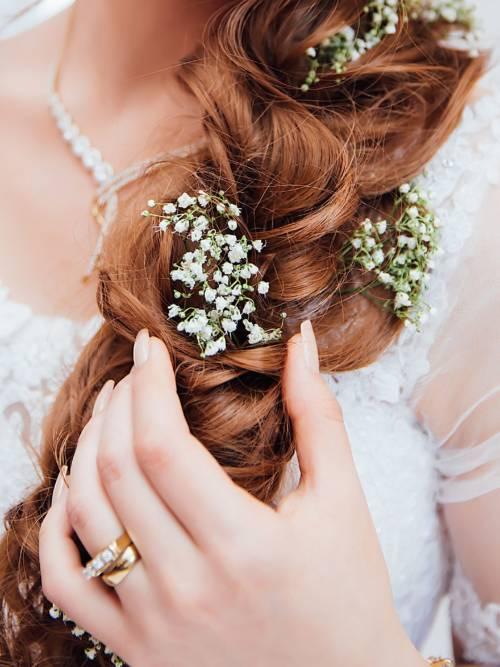 The bride's hair wallpaper