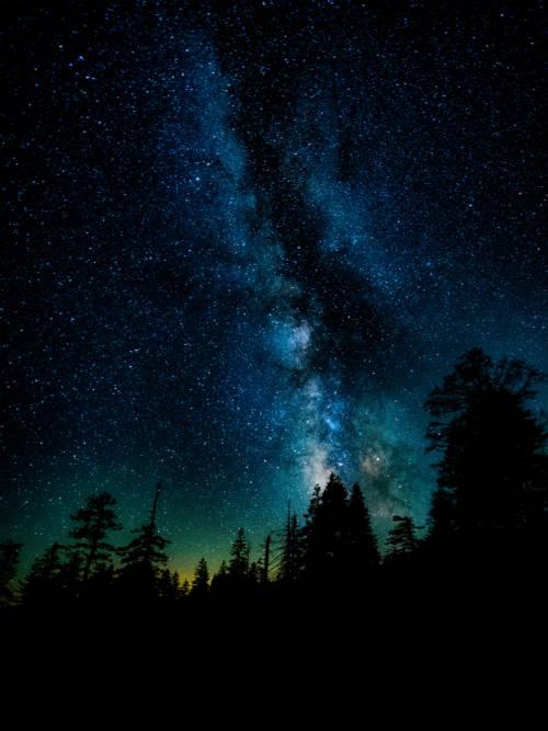 Fondo de pantalla de La Vía Láctea en Yosemite para móviles y tablets