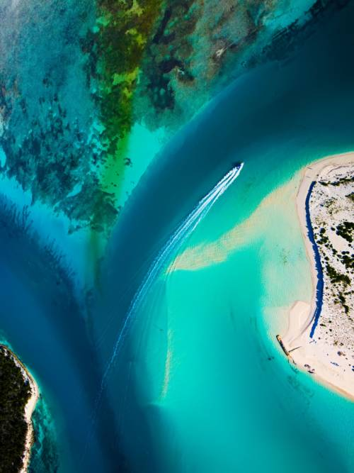 Aerial view of Turks and Caicos islands wallpaper