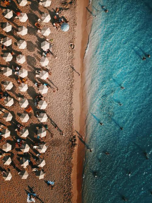 Papel de parede de Guarda-chuvas na praia