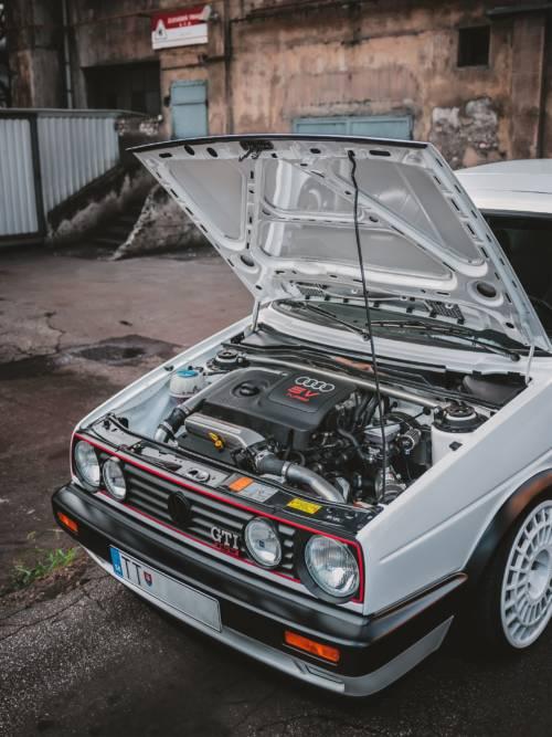 Volkswagen Golf GTI 16v wallpaper